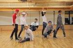 10 คลิปวิดีโอซ้อมเต้นของวงบอยกรุ๊ปเกาหลีที่จะทำให้ทุกคนประทับใจ!