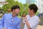 จิน BTS เป็นนักแสดงตลกที่แท้จริงหลังปล่อยมุกในรายการ Let's Eat Dinner Together