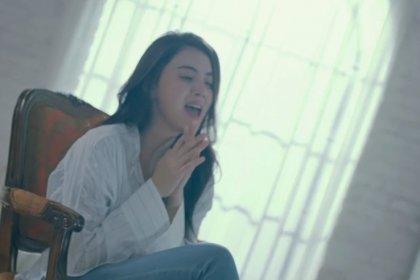 ใหม่ ดาวิกา นักแสดงสาวชาวไทย ปรากฏตัวใน MV เพลง Noway ของ อาลี (ALi)