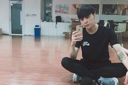 นักออกแบบท่าเต้นของ EXO ที่หล่อแซ่บไม่แพ้สมาชิกของ EXO 'คิมแทอู'