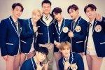 GOT7 และปาร์คจินยองแห่ง JYP แปลงร่างเป็นนักเรียนเพื่อเข้าร่วมการถ่ายทำ Knowing Brothers