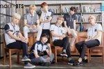 BTS แปลงร่างเป็นนักเรียนชายสุดหล่อในชุดยูนิฟอร์มนักเรียนจาก SMART!