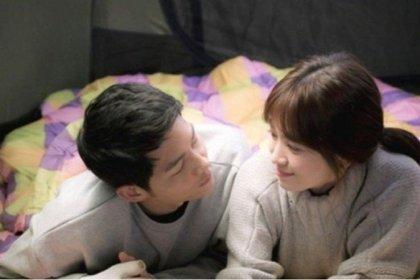 แฟนคลับตาดีอีกแล้ว!! ซงจุงกิ และ ซงฮเยคโย ถูกถ่ายภาพได้ขณะที่ออกเดตกันที่ ปูซาน!
