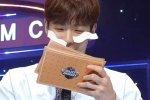 ชยอนู อยากทำอะไรน่ารักๆ บ้าง แต่ที่ทำดันพาขำลั่นมากกว่า ก็พี่แปะสติ๊กเกอร์ผิดด้านง่า!