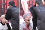 แฟนคลับตัวยงเลยจ้า! เซฮุน EXO ต่อแถวเข้างานแฟนไซน์ของ EXO-CBX เพื่อรอขอลายเซ็น