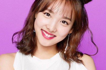 นายอน ปล่อยมุกว่าเธอครองอันดับ 1 ของวง TWICE และจื่อวีกับจองยอนอยู่อันดับ 8 กับ 9