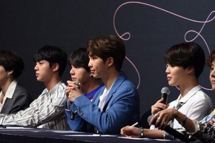 ผู้สื่อข่าว ได้ชื่นชม มารยาทที่ยอดเยี่ยม ของหนุ่มๆ BTS ที่ได้กระทำในงานแถลงข่าวล่าสุด!