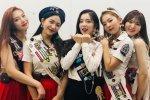 สมาชิก Red Velvet สัมภาษณ์ Kyle Hanagami นักออกแบบท่าเต้นของพวกเธอ!