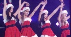 BLACKPINK แปลงร่างเป็นแซนตี้สุดเซ็กซี่ในคอนเสิร์ตที่ประเทศญี่ปุ่น