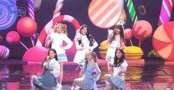 อูกี เยริ ดาฮยอน ออมจี เคย์ อาริน 6 สาวจาก 6 วงเกิร์ลกรุ๊ปรวมตัวกันแสดงเพลง Kissing You