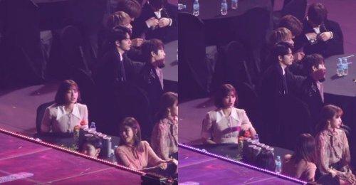 ชาวเน็ต ได้ชื่นชมมารยาท - ความเป็นผู้นำของ จีฮโย TWICE ในระหว่างที่ BTS รับรางวัล