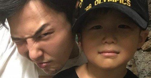 ยางฮยอนซอก ได้แชร์ภาพสุดน่ารักของลูกชายของเขา ที่ออกไปเที่ยวกับ จีดราก้อน!
