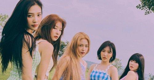 Paris99 ขอคำชี้แจง SM หลังแฟนๆ อ้างภาพของ Red Velvet ลอกเลียนผลงานออกแบบ