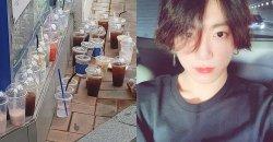 แก้วกาแฟ Ediya Coffee สาขา ฮงแด ถูกทิ้งเกลื่อน หลังจัดอีเว้นท์ฉลองวันเกิด จองกุก BTS